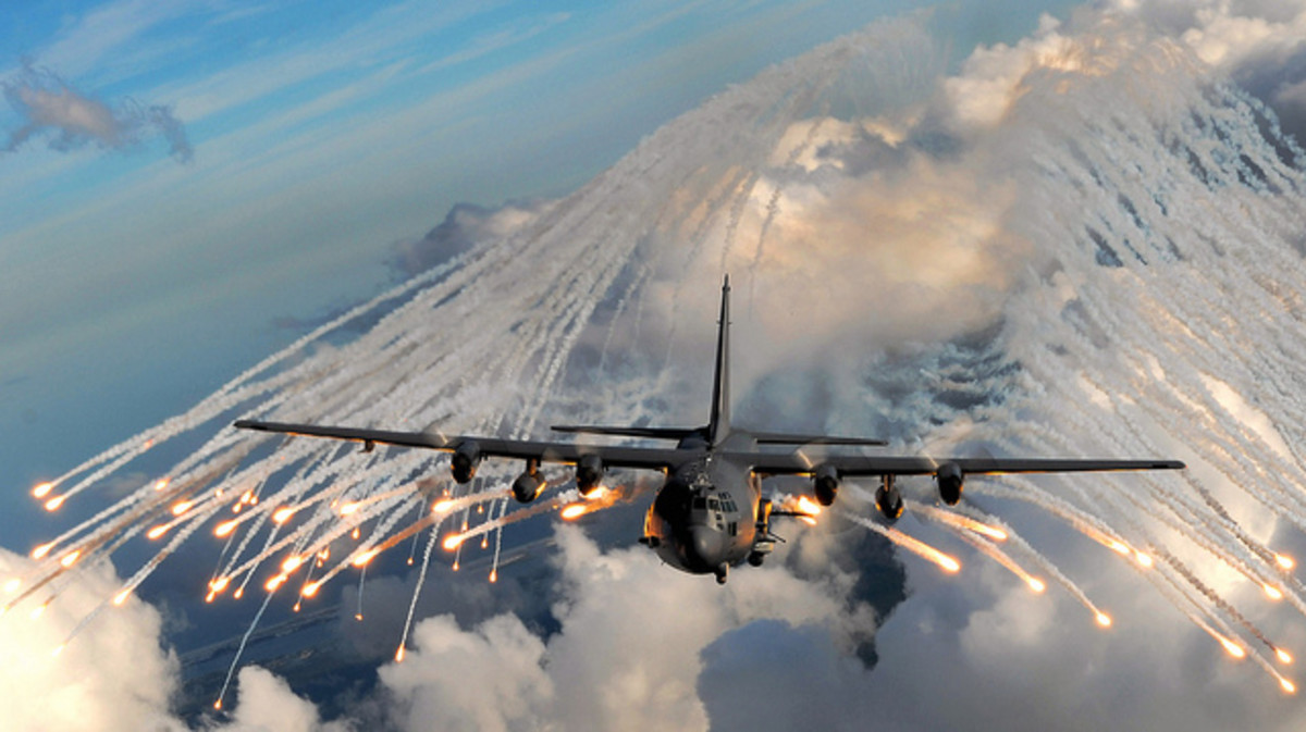 US Special Forces AC-130 gunship in training 2007 (Lockheed Martin/ Flikr)