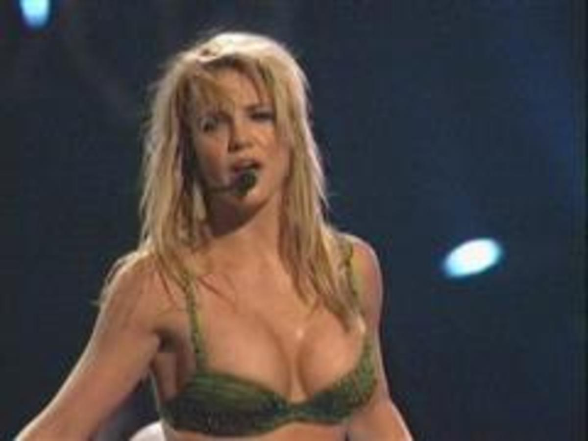 Britney_vegas2_wince
