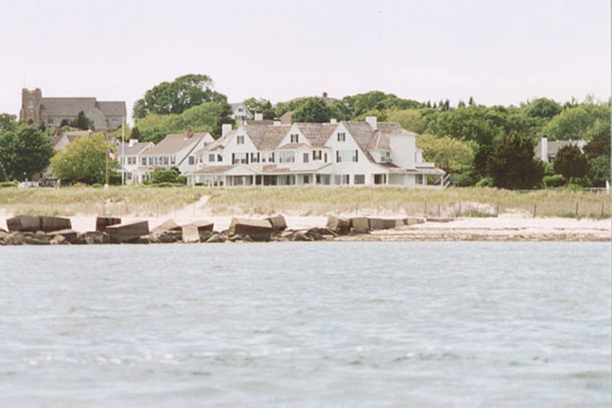 /kennedy_compound.jpg