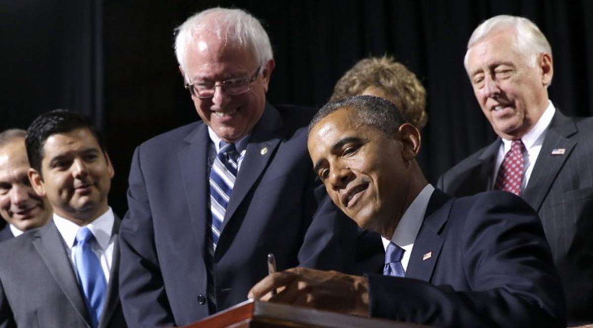 Bernie sanders Obama.jpg
